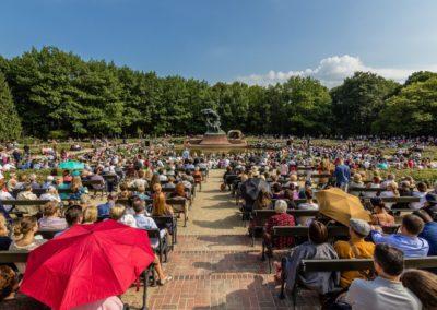 Fryderyk Chopin Monument, concert of Chopin's music, fot. Warszawska Organizacja Turystyczna