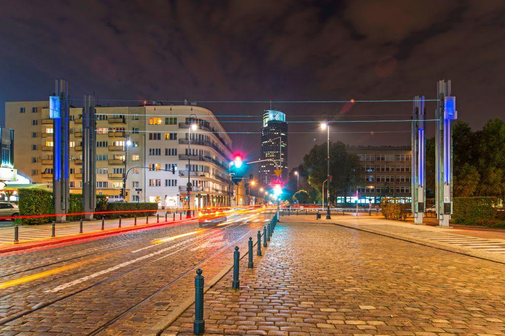 Ulica Chłodna, instalacja Kładka, fot.Warszawska Organizacja Turystyczna