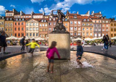 Pomnik Syrenki na Rynku Starego Miasta, fot. Warszawska Organizacja Turystyczna