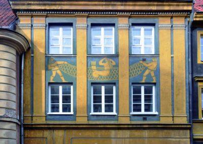 Syrenka na budynku przy ulicy Kościelnej 8, fot. Teresa Witkowska