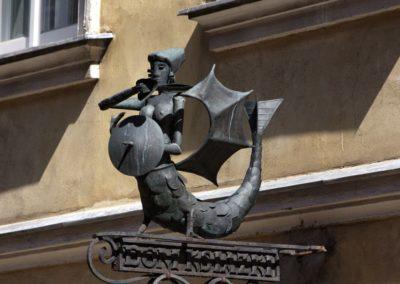 Syrenka na budynku przy ulicy Piwnej 22, fot. Tomasz Nowak