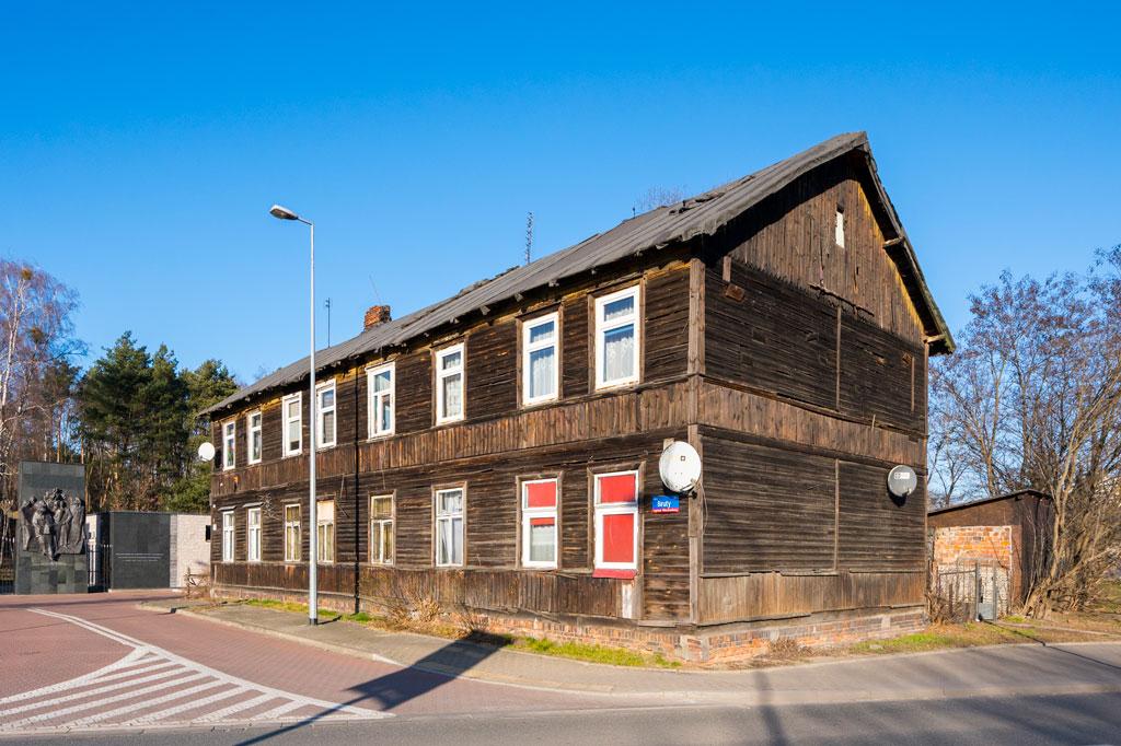 Drewniany dom przy ulicy Biruty 18, fot. Filip Kwiatkowski