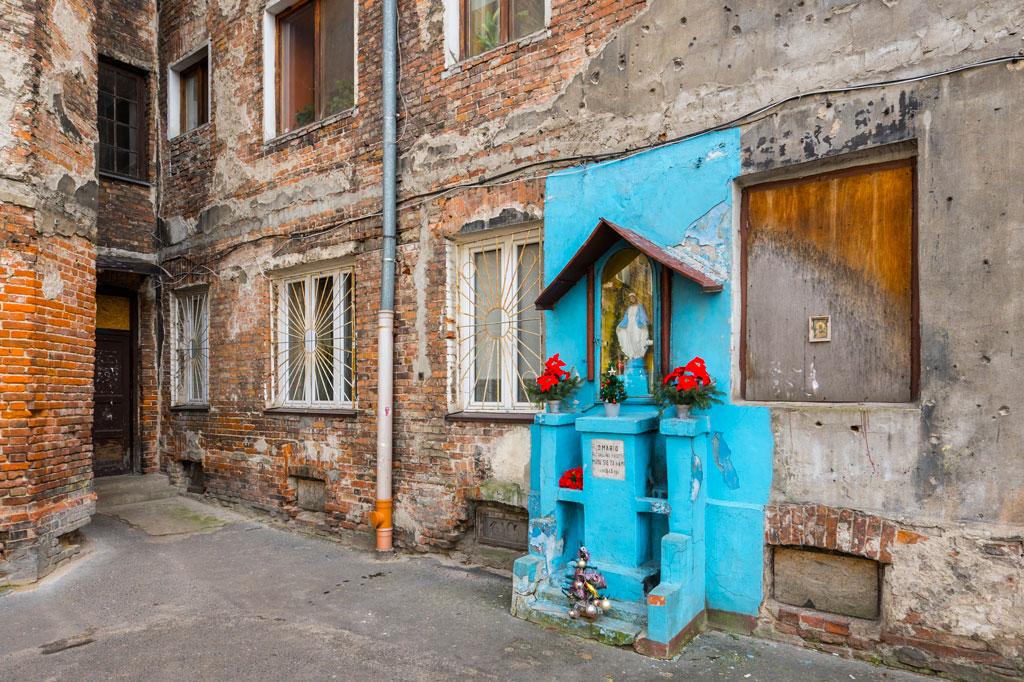 Kapliczka w podwórku przy ulicy Ząbkowskiej 12, fot. Filip Kwiatkowski