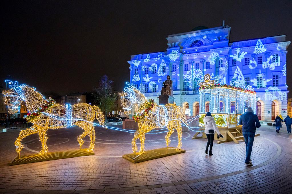 Iluminacja przed Pałacem Staszica, fot. Filip Kwiatkowski
